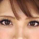 目をパッチリ見せるデザイン