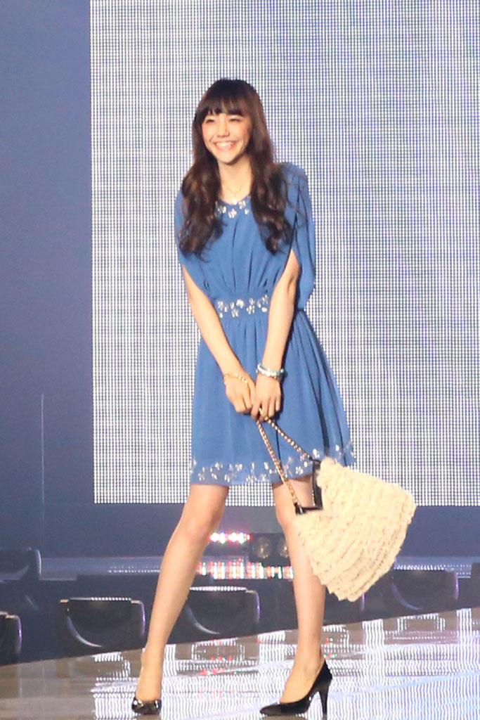松井愛莉ロングヘア3
