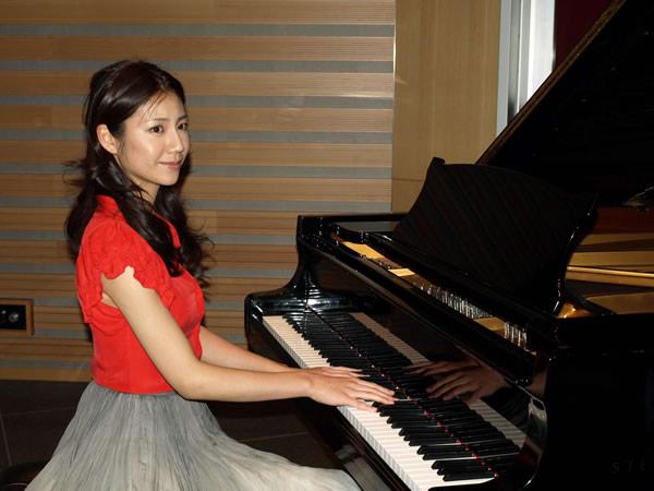 ピアニスト1