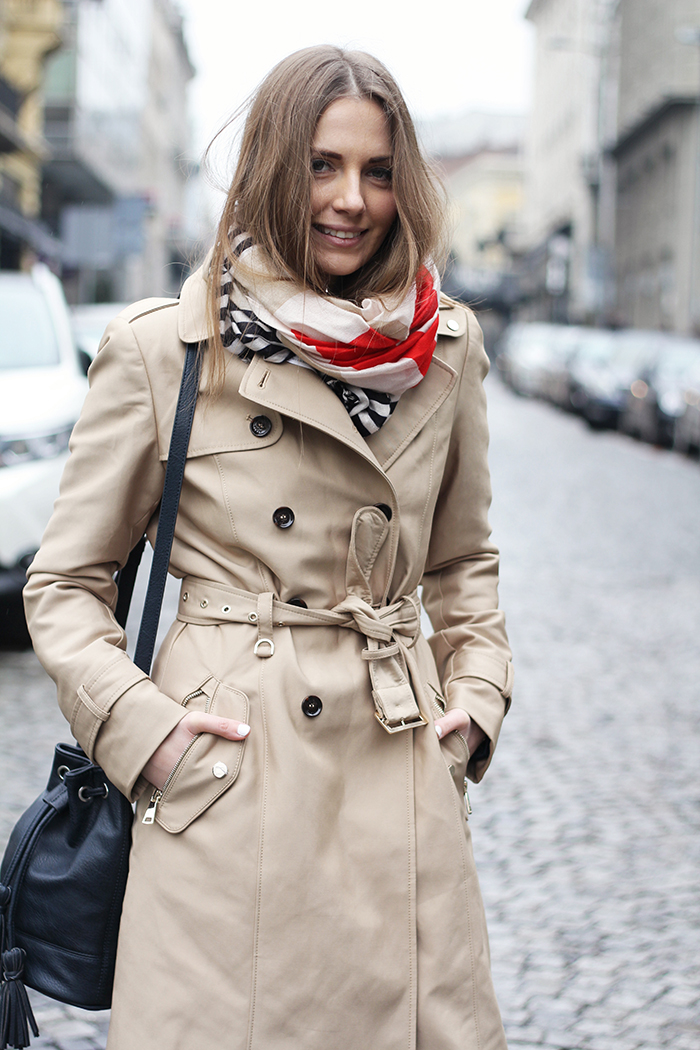vanja, fashion and style blog, elle serbia workwear outfit inspiration, zara trench coat, stradivarius scarf, stradivarius bag