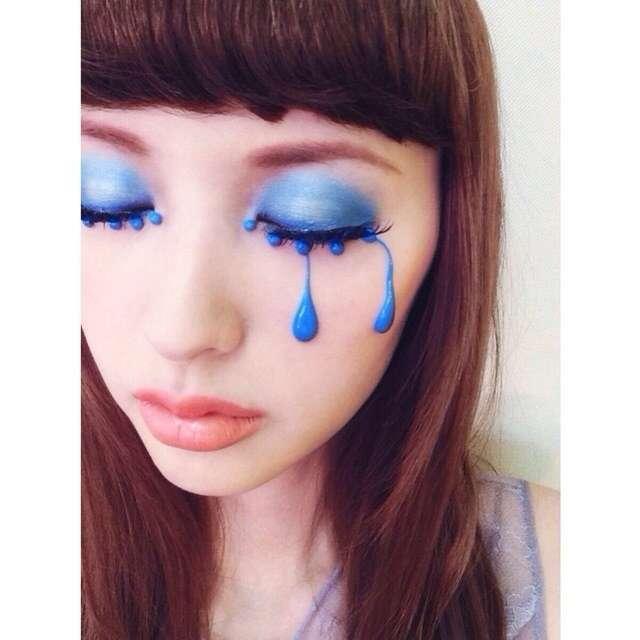 青シャドウ