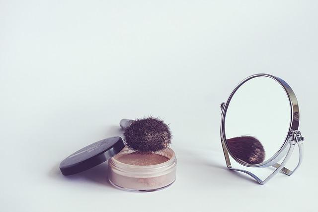 cosmetics-1543271_640